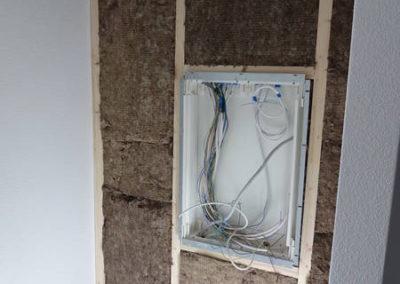 Zeitgleich werden die Garderobenrückwände / Elektroverteiler erstellt.
