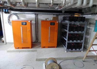 Unserer neue USV (Unterbrechungsfreie-Strom-Versorgung).