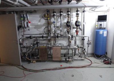 Hier wird die neue Kühlung montiert.