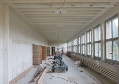 Übersicht Korridor EG: Vorbereitungsarbeiten Maler
